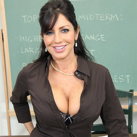 tara holiday latina MILF
